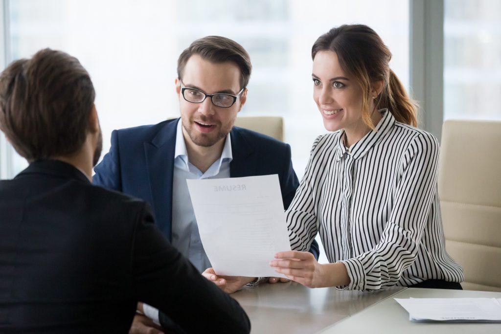 Jobbintervju med 3 stykker